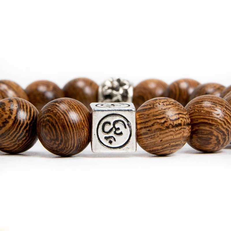 fa karkötő fém kiegészítő barna